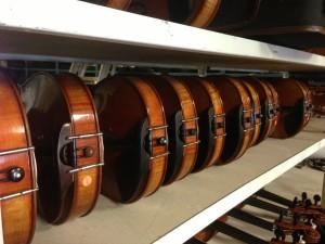 Violin shelf